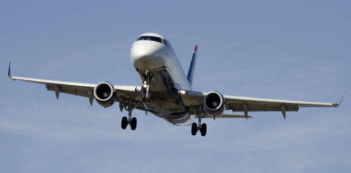 airplane-1554870_1280-2